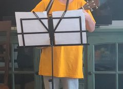 Hal singing and playing Waggon Wheel